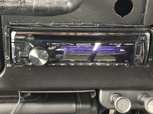 CD再生可能。社外スピーカー、社外ツイーターも着いていて快適にドライブできます、任意保険、クレジット、JAFなど車のことなら当店にお任せ下さい!!!自社整備工場完備だからアフターも安心!