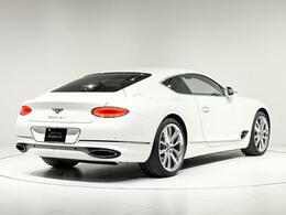 ボディサイズは全長4880×全幅1965×全高1400(mm)。車両重量2290kgになります。
