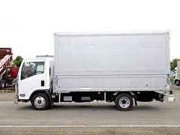 車両総重量5705kg 最大積載量2000kg