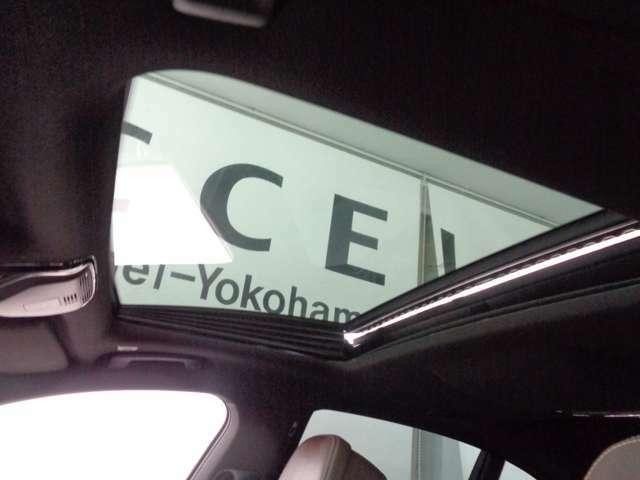 電動ガラスサンルーフ!