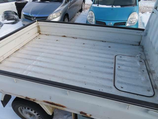荷台スペースも十分なスペースをしっかり確保!長い旅行・キャンプでも荷物は十分入ります。