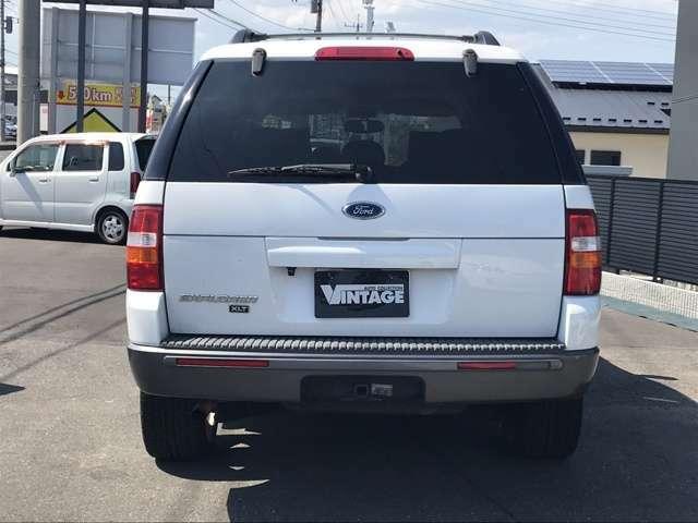 バックカメラがついているので駐車時の後方確認もしやすいです。