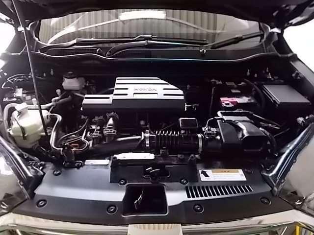 1.5Lターボのパワフルエンジンで快適な走行を!!内外装と同様にピカピカクリーニングを実施しております♪