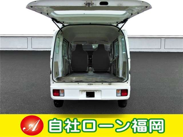 車両装備品のキーレス・パワーウィンド・オーディオなどの装備品はサービス品・消耗品にあたりますので保証の対象外です。車両を購入の際に動作確認をお願いします。不具合がある場合にはスタッフに申し付けください