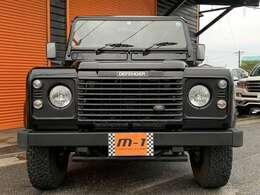平成16年式(04y)ランドローバーディフェンダー110SE Td5 D-TB4WD!正規ディーラー車!右ハンドル1純正5速車!AC・PS・PW付!背面T!チューブステップ付!リアラダー付!