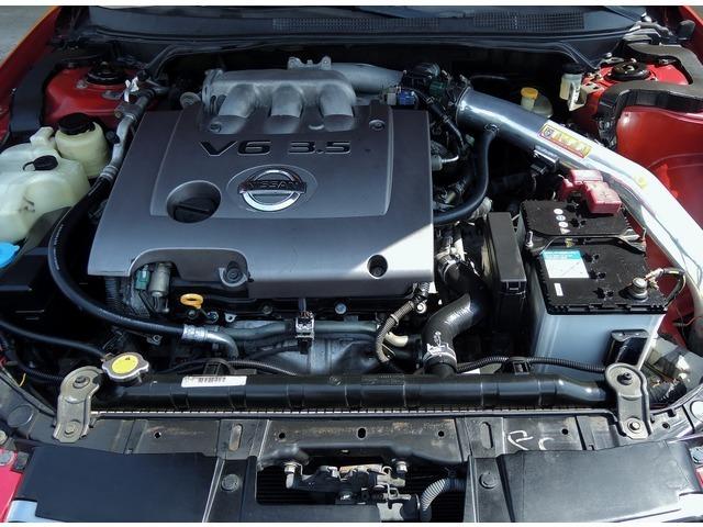 搭載するエンジンはV型6気筒 DOHC VQ35DE型