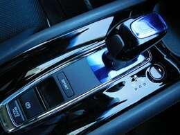 電子制御シフト&パーキングブレーキです!便利なブレーキホールド機能も備わっております♪気になるお車がございましたら、スグにお問合せください!
