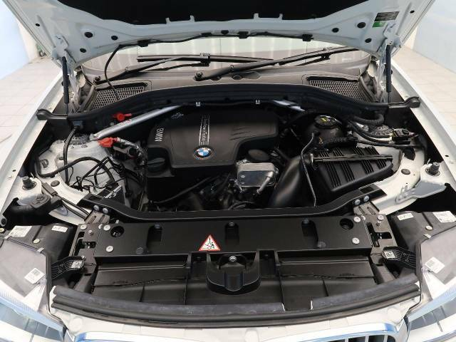 ●エンジンルーム:当店では、第三者機関による外部鑑定を導入。当店でもJAAA・AISの二社による鑑定をおこない、鑑定書・コンディションチェックシートを発行しております。※一部外部鑑定を実施しないお車も