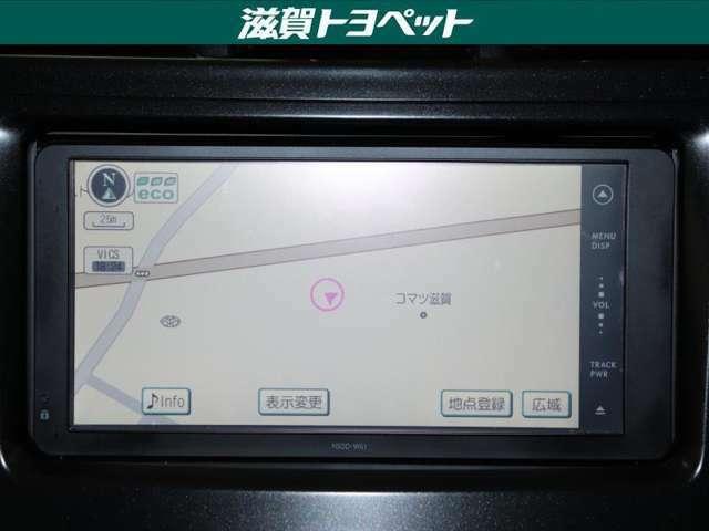 トヨタ純正ナビゲ-ション装着車です。ワンセグ放送・CD・DVD再生などお楽しみ頂けるナビゲ-ションです。