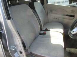 フロントシートも座り心地良好