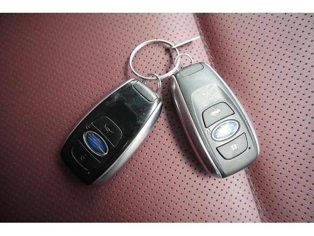 スマートキーなので鍵を持ったまま開錠・施錠、エンジンスタート可能です