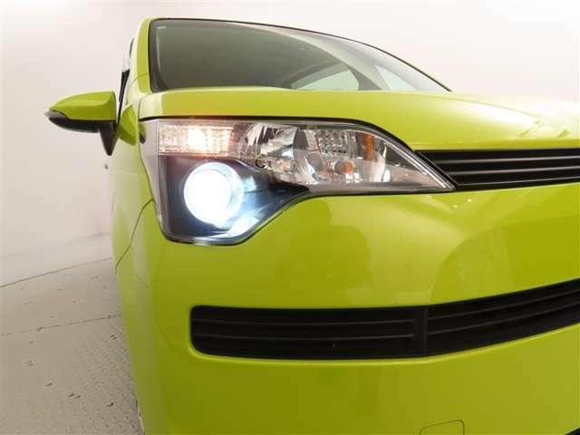 HIDヘッドライト付!!HIDヘッドライトはとっても明るく美しい!そして省電力でエコにも役立つ!夜のドライブがより楽しく安全になります♪