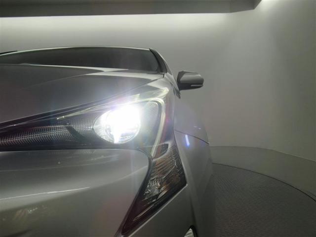 LEDヘッドライトで夜間走行も安心・安全です。