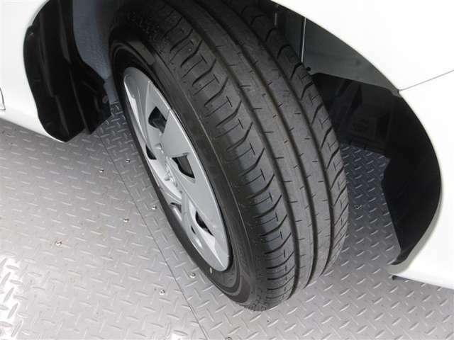 タイヤはご覧のとおりです。