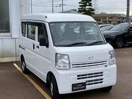 車両価格も80万円を切っておりお値打ちの一台です。