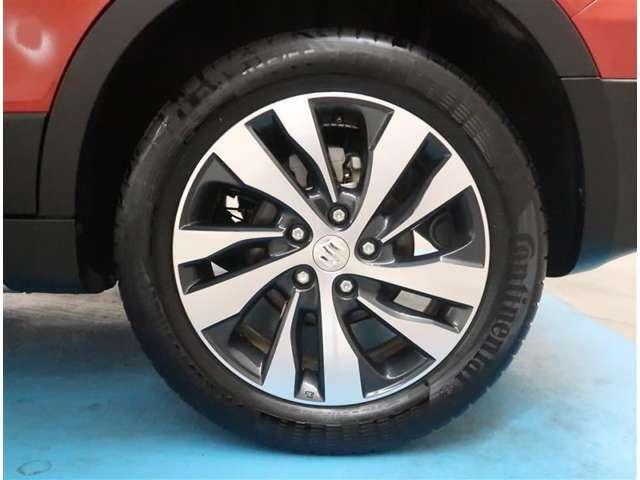 【純正17インチアルミ】タイヤの残り溝もしっかり残っております。ご納車前に点検・空気圧調整もさせて頂きますので、ご安心下さい。