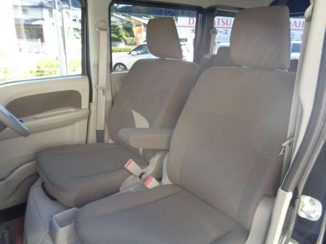 助手席シートの状態です。運転席シート同様にとても綺麗な状態です。