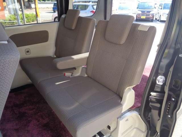 リアシートの状態です。フロントシート同様にとても綺麗な状態です。