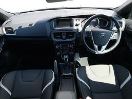 令和1年式、6000キロ台のV40クロスカントリーD4ダイナミックエディションが入庫しました!外装、内装ともに状態良好なお車でございます!是非、店頭で状態の良さをご確認くださいませ♪