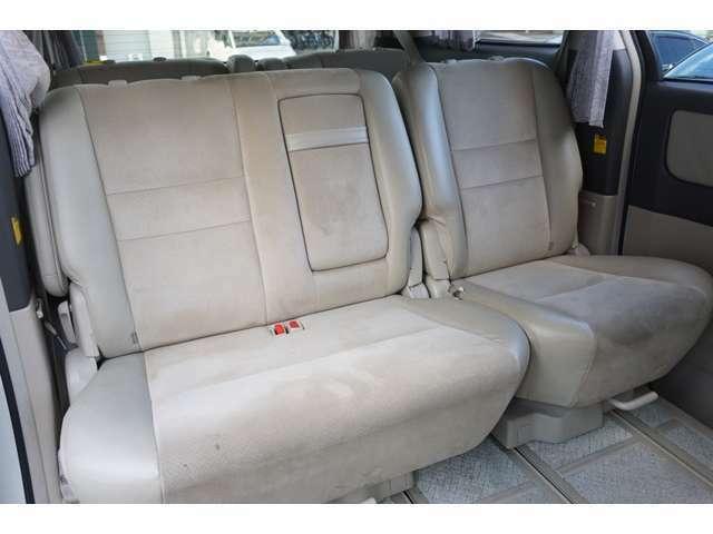 ★セカンドシートも広々とした空間でロングドライブも快適!!★