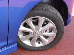 タイヤサイズは155/65R14.。