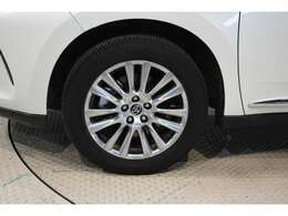 納車前に車検整備または12か月法定点検を実施いたします。整備代金は車両本体にふくまれておりますので追加代金不要。消耗品や油脂類も必要に応じて交換させていただきます。