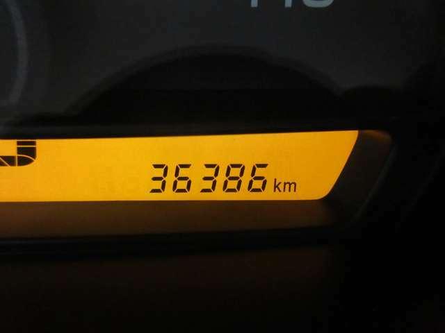 低走行36,380KM☆20KMほどの走行テストも済んでおりエンジン機関も良好です♪もちろん新車時保証書・点検記録簿付きで安心の厳選車両☆☆☆お買得な一台です♪