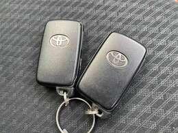所持しているだけで車の施錠開錠、エンジンの始動までできる便利なスマートキーです!
