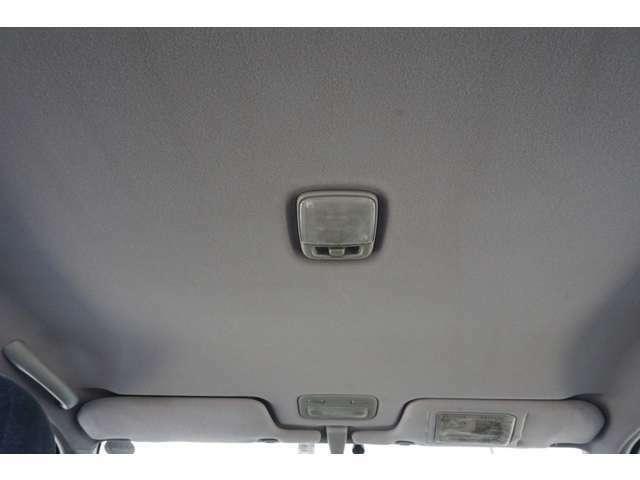 【天井】天井までしっかりクリーニング済みでとても綺麗な1台です。