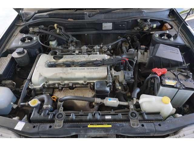【エンジンルーム】R1/7/26 ヘッドカバーG/K プラグコード プラグ交換済み!エンジンルーム内までしっかりと清掃済です。メカニックが作業と同時に心をこめて清掃いたします。