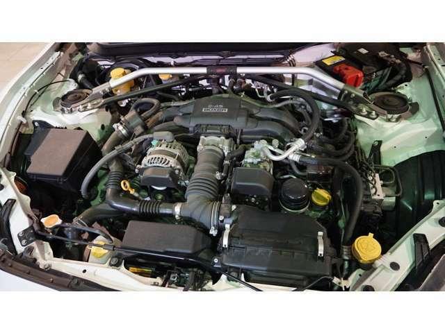 2000cc ボクサーエンジン! STIタワーバー!