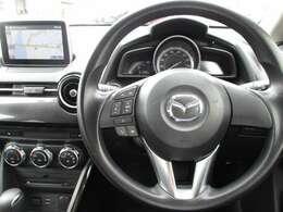 ◆チルト&テレスコピックステアリング◆ドライバーのさまざまな体格に応じて適切な運転姿勢を取りやすいよう、ハンドルの前後位置と高さを調整できます◆