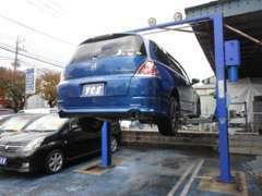 リフトも完備!アフターケアもOKです。駐車スペースも在りますのでお車でのご来店もご安心ください!