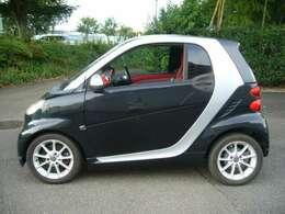 本来ならワイドタイヤ装着モデルですが、タイヤは細めの後期純正アルミ。