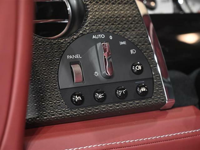 ドライバーズ・アシスタンス・システムは車速・ナビゲーション表示もされます