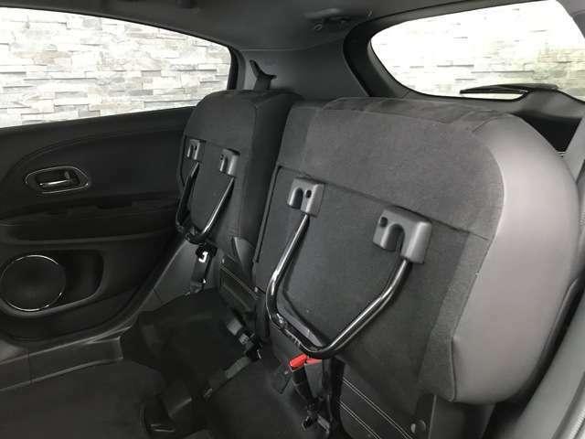 後部座席を上げる事で、背の高い荷物も積む事ができます!
