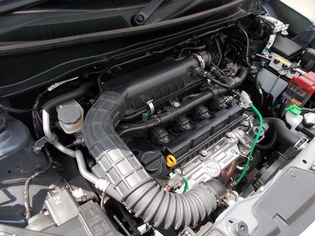 減速中に発電した電気をリチウムイオンバッテリーに蓄え、発進時などにエンジンをアシストするモーターを駆動する「マイルドハイブリッド」機構を搭載★