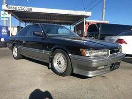 旧車はお好きでしょうか?レパードはそんなお客様を満足させてくれると思います♪