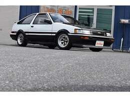 レカロセミバケ×2脚・ロンシャン14インチ・フジツボマフラー・EXマニ・カーボンボンネット・MOMOステ・カーボンダッシュボードカバー・前期リップ・社外足回り・LSD・HDDナビ・ETC