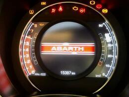 ようこそ'ABARTH′の世界へ。TFTメータークラスターが貴方を誘います。