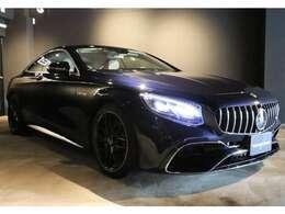 オプションは、AMGダイナミックPKG(AMGドライバーPKG、マットペイント20インチAMGクロススポーク鍛造アルミホイール、AMGレッドブレーキキャリパー、AMGパフォーマンスステアリング)、