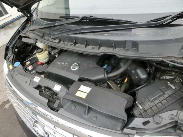 試運転やエンジン・ミッションなどの機関・修復箇所の厳選な入庫チェックをしております。納車前の整備に関しては、自社ではなく、認証・指定工場にて法定点検整備後、お渡ししております。