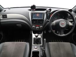 ハッチバックタイプのインプレッサWRXSTI・通称GRBが入庫!走りを楽しむ為の純正オプションが盛りだくさんです!!年々数が少なくなっているお車ですので、お早目に!