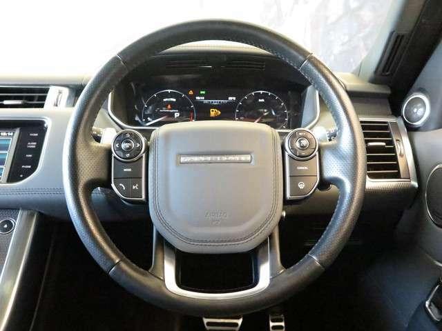 ヒートステアリングホイールはボタン一つで、運転中の手を温め、快適なドライブをアシストしてくれます。寒い冬場でもエアコンよりも早く温まります。