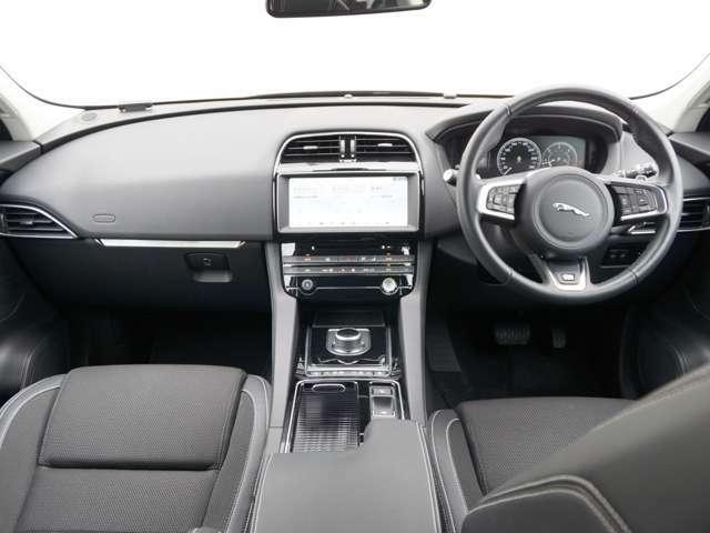 上質な室内内装をぜひ実車で体感・ご確認ください、手触りの良いシート、ドアトリム