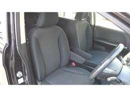フロントシート 助手席アームレスト  運転席用&助手席用SRSエアバッグシステム