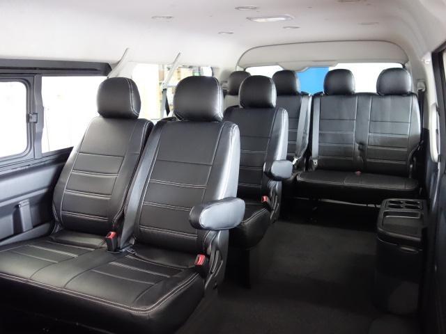 様々な用途にお使い頂けて、人数も乗せることが出来るスタンダードシート配列にFLEXカスタムを施しましたよ♪