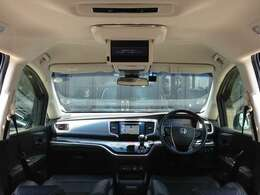 メーカーオプション・HONDAインターナビシステム&純正フリップダウンモニター、全周囲マルチビューカメラ&自動駐車パーキングアシストなど、高級感あふれるインテリアパネルで、豪華装備満載の一台です!