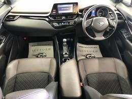 アイポイントが高く、非常に見晴らしの良いコックピットはロングドライブに最適。一度乗ったら病みつきです