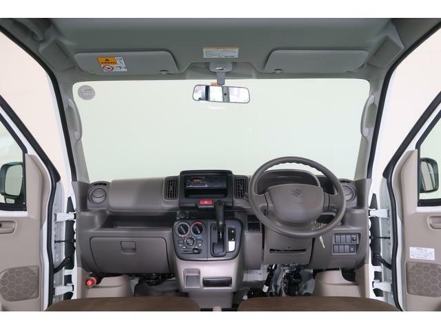 運転席から見てフロントピラーが邪魔にならず、視界も良好です。